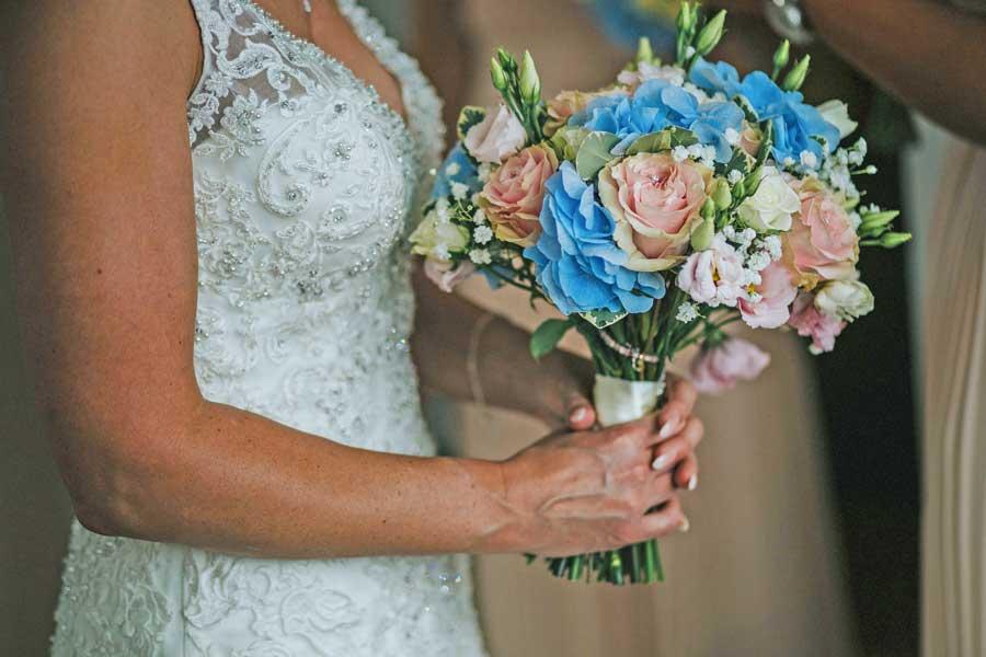 Stunning wedding bouquet - Heaven Scent Floral Designs