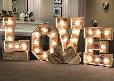 LOVE Letters & Neon Signs